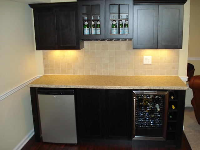 Basement remodeling - Wet bar basement ideas ...